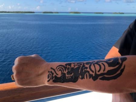 ポールゴーギャンクルーズ⑥ タトゥー体験もできる 船内アクティビティ